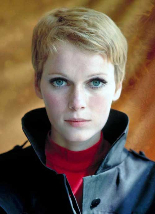 Mia Farrow short haircut