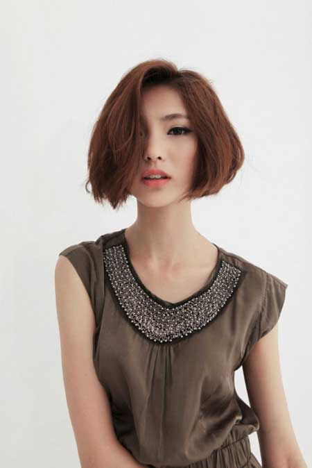 Short Asian bob haircut