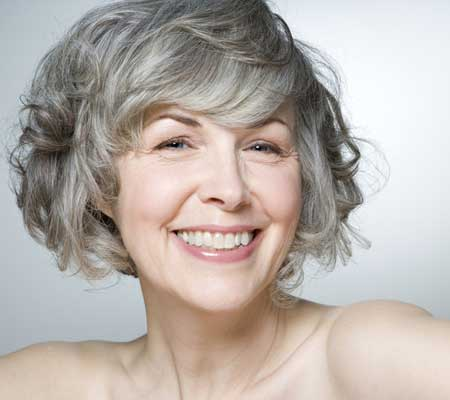 Short hairstyles for wavy hair for women over 50