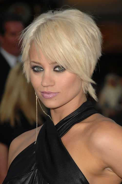 Straight Short Haircuts for Women-2