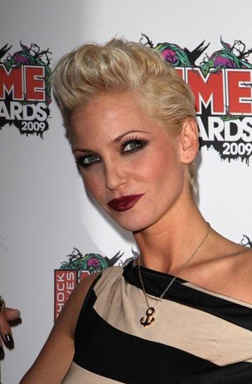 Top 20 Short Blonde Haircuts-2