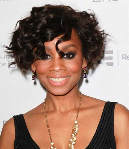 Curly short haircuts for black women