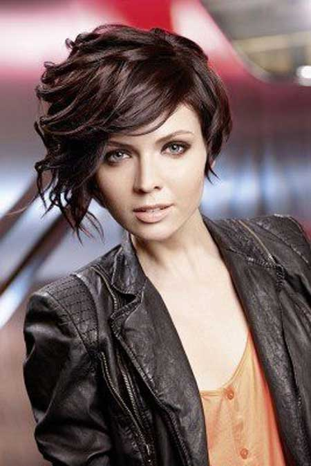Short Trendy Curly Haircuts-11