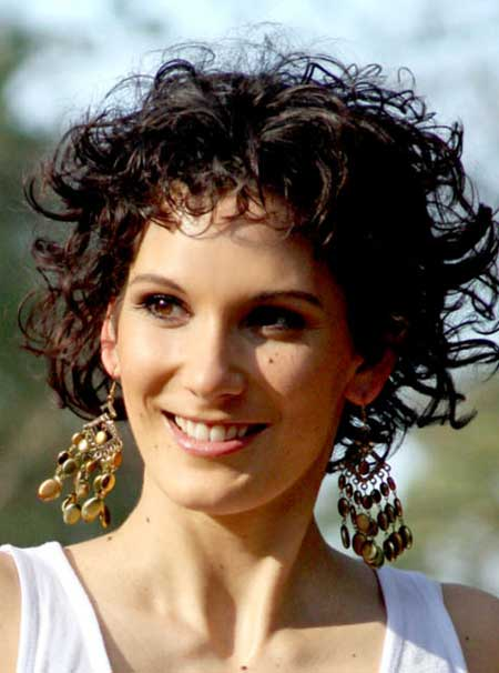 Short Trendy Curly Haircuts-3
