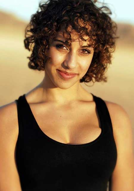 Short Trendy Curly Haircuts-9