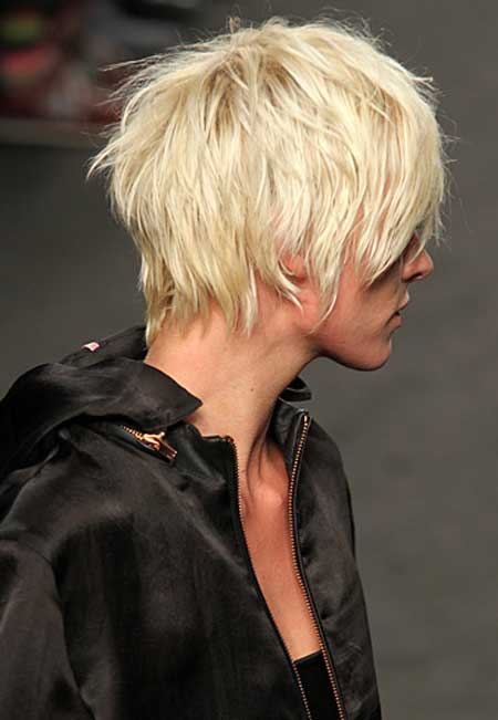 Short trendy layered haircuts