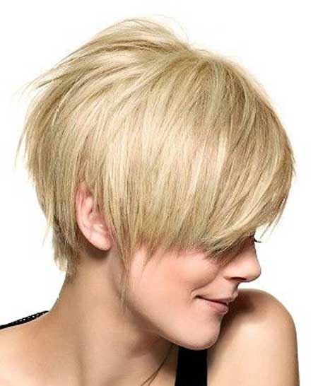 Short straight blonde hairstyle