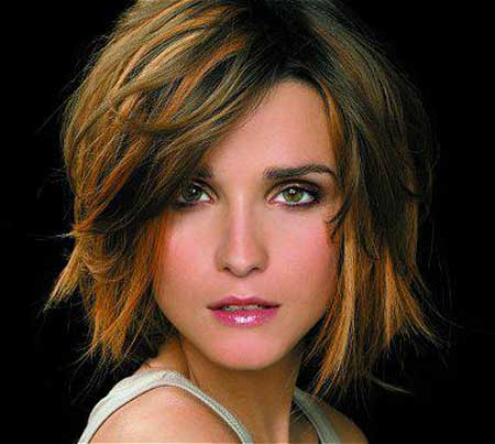 Trendy Short Haircuts for Women-12