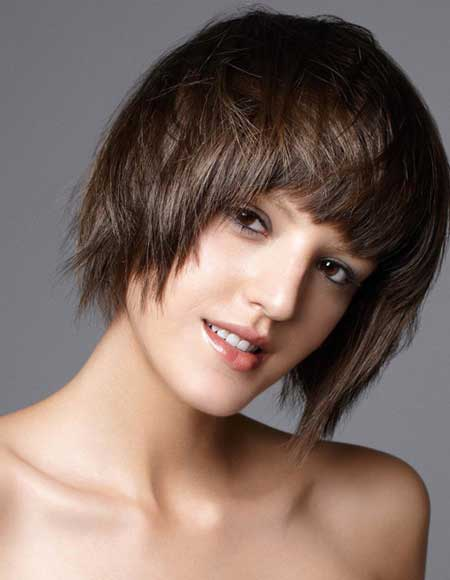 Trendy Short Haircuts for Women-14