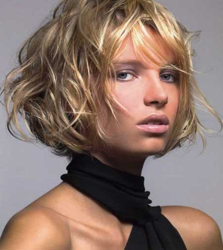 Trendy Short Haircuts for Women-6