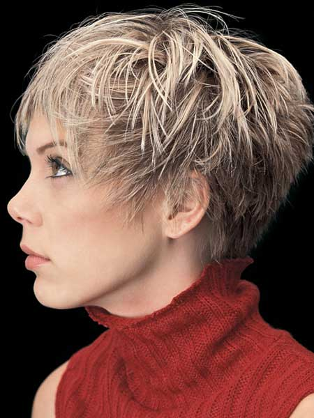 Trendy Short Haircuts for Women-7