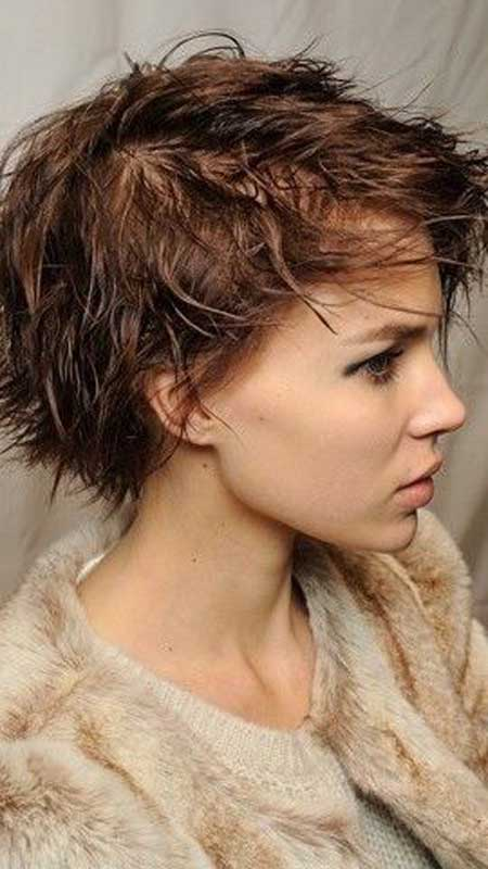 Beautiful Trendy Short Haircuts-12