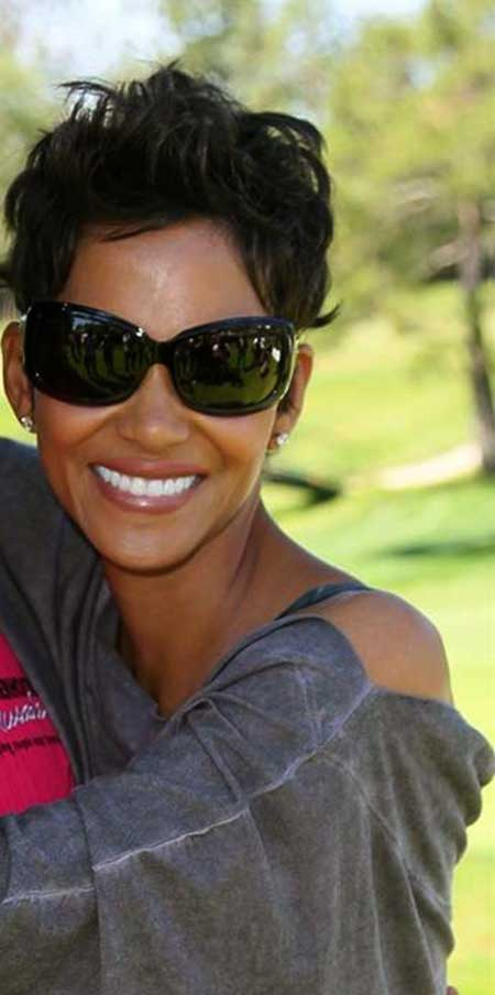 Cute Halle Berry Short Hairstyle