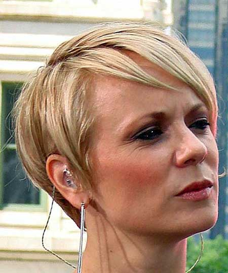Cute and Mature Pixie Hairstyle