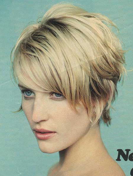 Daringly Lovely Wavy Short Blonde Hairstyle