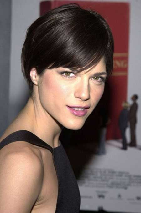 Gorgeous Short Straight Hairstyle