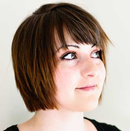 Layered Symmetrical Short Straight Hairstyle