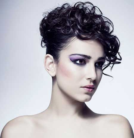 Short Hair Styles for Curly Hair-13