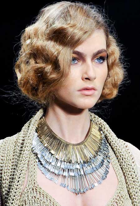 Short Hair Styles for Curly Hair-7