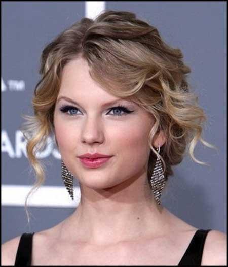 Short to Medium Length Curly Hair