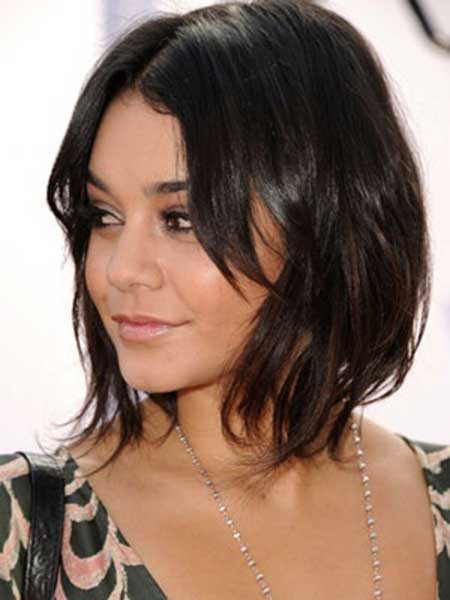 Short to Medium Wavy Bob with Medium Bangs