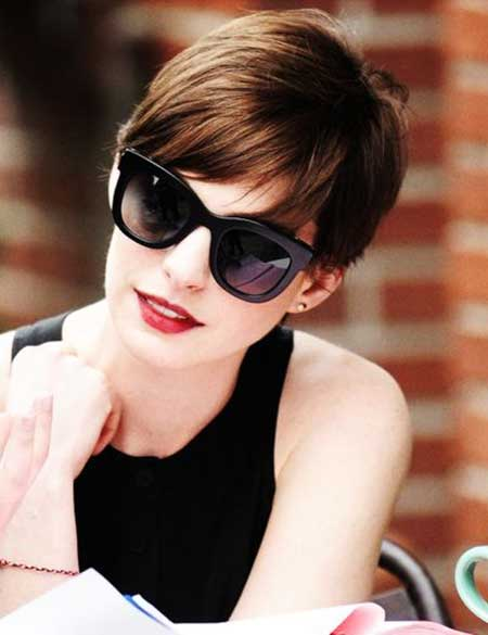 Anne Hathaway Lovely Pixie Hairstyle