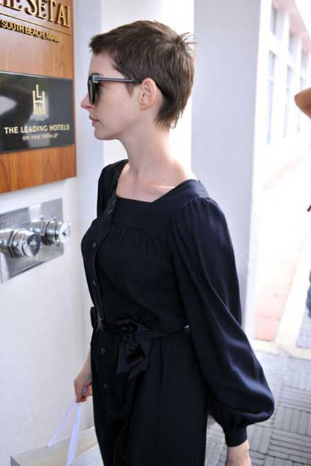 Anne Hathaway short hairstyle