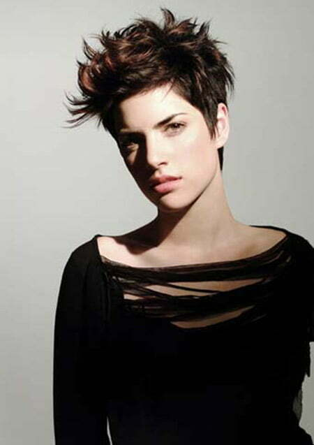 Awesome Messy and Spiky Pixie Cut