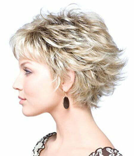Awesome Wavy Bob Cut