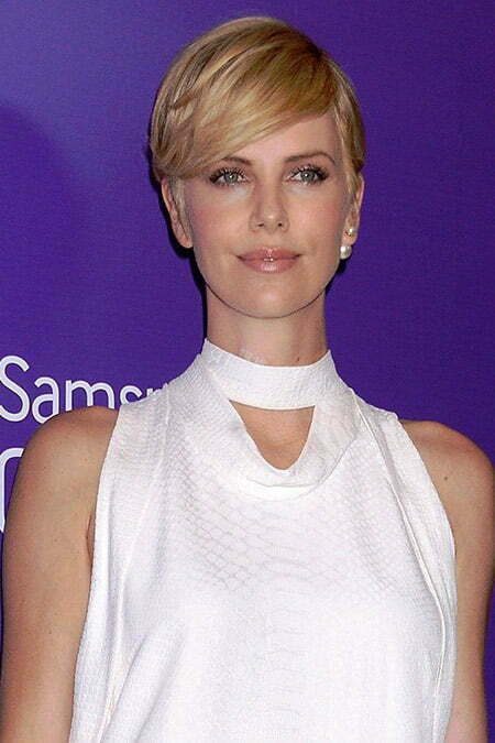 Charlize Theron's Very Captivating Pixie Cut
