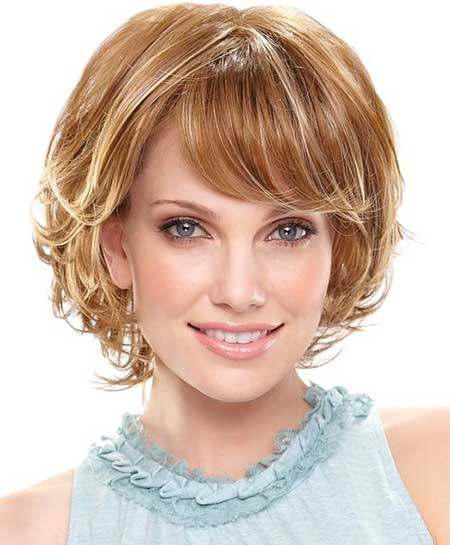 Charming Curly Bob Cut
