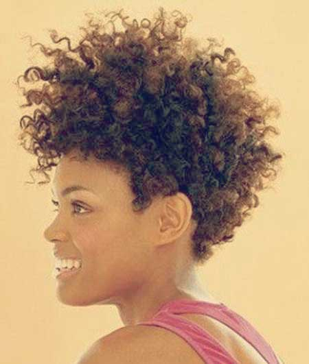 Charming Curly Bob Hairstyle