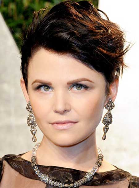 Charming Ginnifer Goodwin's Very Short Hairstyle
