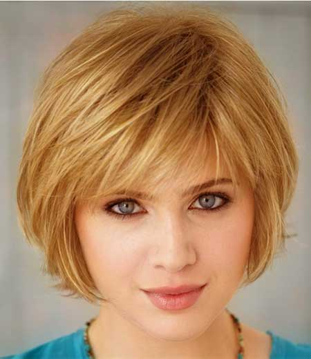 Charming Short Blonde Hairstyle