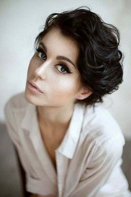 Charming Wavy Pixie Cut