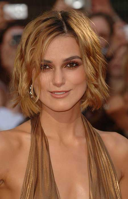 Cool Blonde Short Wavy Hairstyle