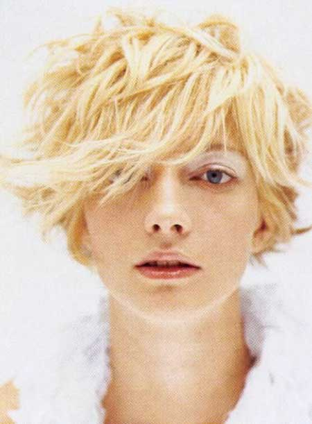 Cool Messy Blonde Bob Cut