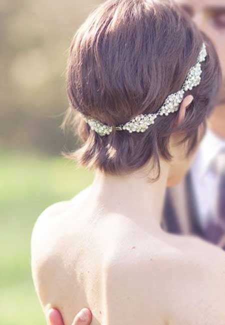 Cute Hairstyles for Bridals