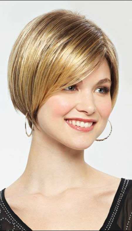 Cute Short Bob Hairstyle for Spring