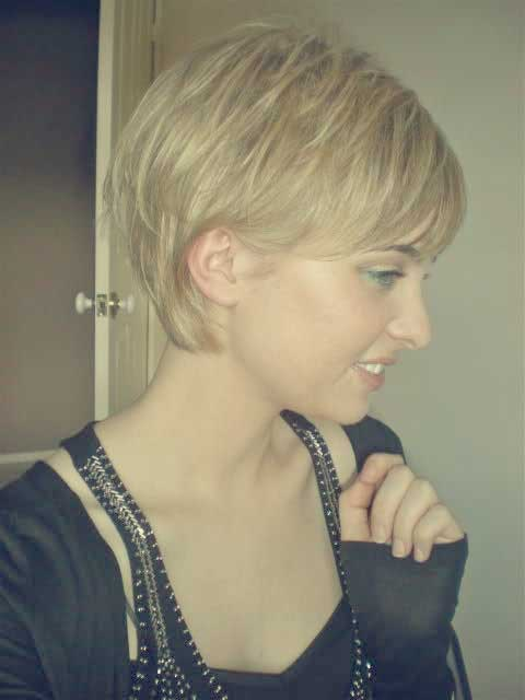 Cute Short Choppy Blonde Hairstyle
