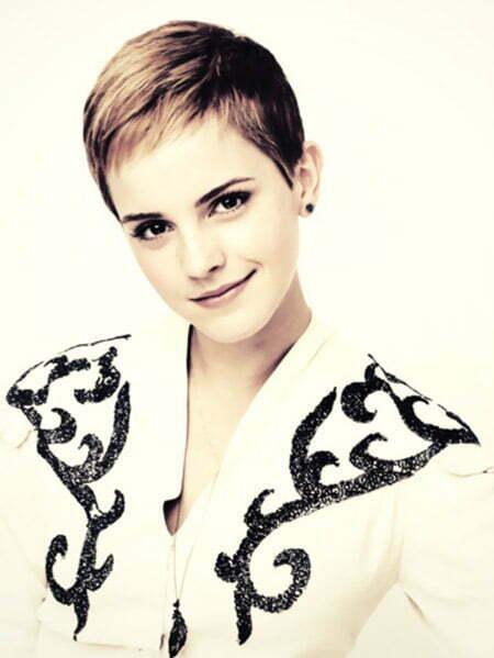 Emma Watson's Very Cute Pixie Cut