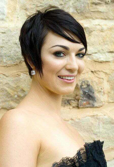 Fabulous Pixie Wedding Hairstyle
