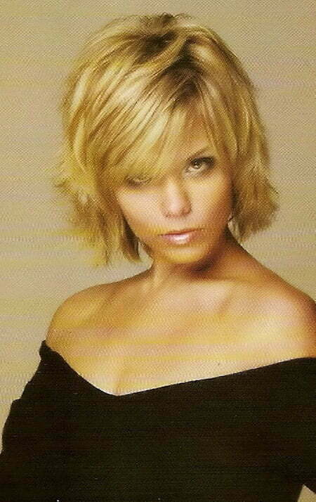 Fantastic Flip Out Bob Cut with Side-parted Bangs