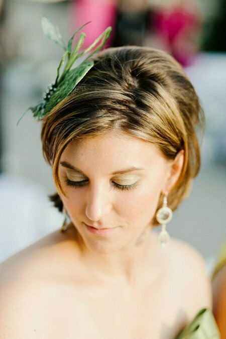 Short Wedding Hair With Flowers