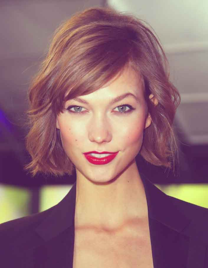Good Short Haircuts for Wavy Hair-4