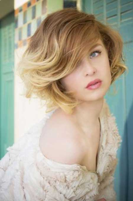 Gorgeous Wavy Bob Hairstyle