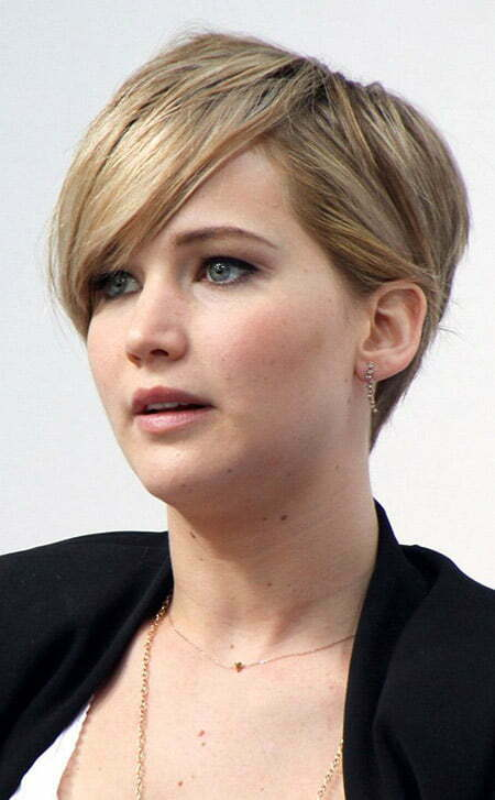 Jennifer Lawrence's Cool and Charming Pixie Cut
