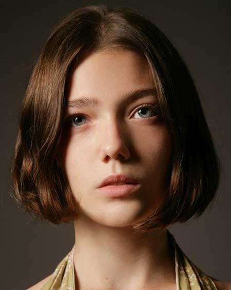 Lovely Asymmetric Bob Cut