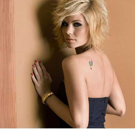 Lovely Blonde Layered Bob Hairstyle