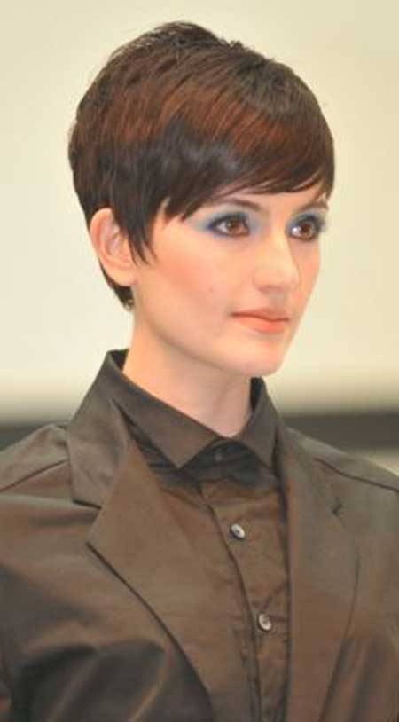 Lovely Razor Edge Pixie Hairstyle